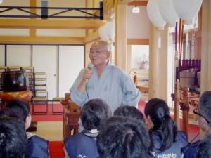 地福寺の片山秀光住職が津波被災時の状況を説明