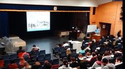 県立 川崎高校で行った 講演の様子 講演の様子